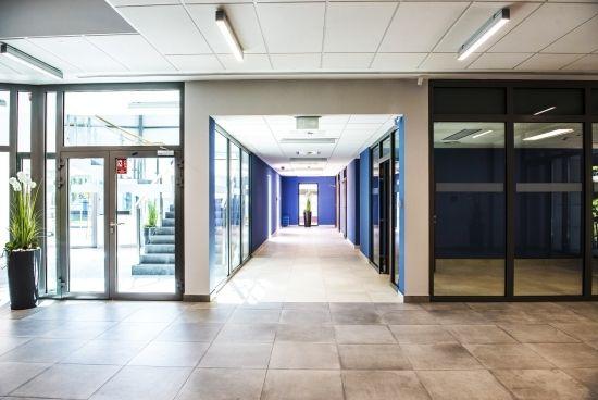 Otwarto nowy budynek Wydziału Zarządzania na Politechnice Rzeszowskiej [ZDJĘCIA] - Aktualności Rzeszów - zdj. 9